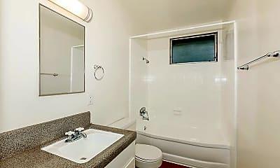 Bathroom, Glenwood Apartment Homes, 2