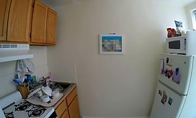 Kitchen, 4417 Pine St, 2