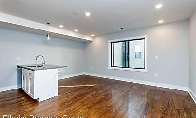 Living Room, 814 N Uber St, 1