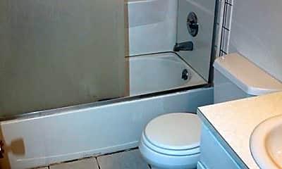 Bathroom, 2715 Stanford Rd, 2