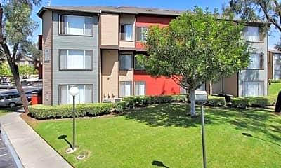 Building, Riverhouse Apartments, 1