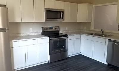 Kitchen, 1209 Pueblo Dr, 2