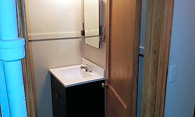 Bathroom, 121 Washburne Ave, 2