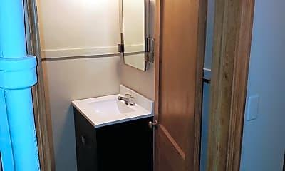 Bathroom, 121 Washburne Ave, 2