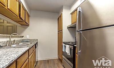 Kitchen, 2425 Cromwell Cr, 0