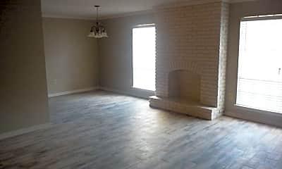 Living Room, 2500 McGrath Ave, 0