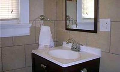 Bathroom, 711 General Pershing St B, 1