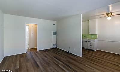 Living Room, 10226 Silverton Ave, 1