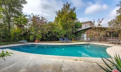 Pool, 196 N Carmelina Ave, 0