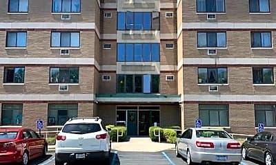 Building, 35 Cerone Pl 408, 0