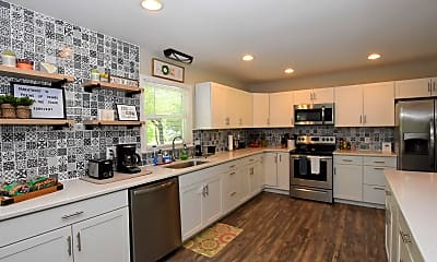 Kitchen, 103 Cromwell Ave, 1