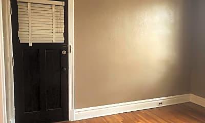 Bedroom, 5520 S Grand Blvd, 1