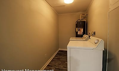 Bathroom, 4107 E Michigan St, 2