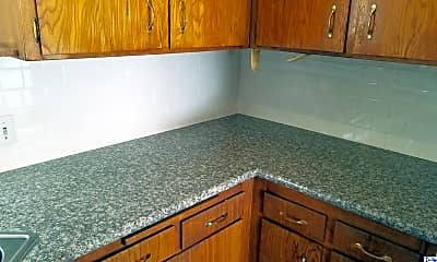 Kitchen, 3920 La Crescenta Ave F, 1