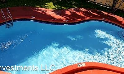 Pool, 978 SW 10th Dr, 1