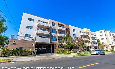 Building, 7925 Ventura Canyon Ave, 0