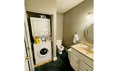 Bathroom, 516 Shawmut Ave, 2