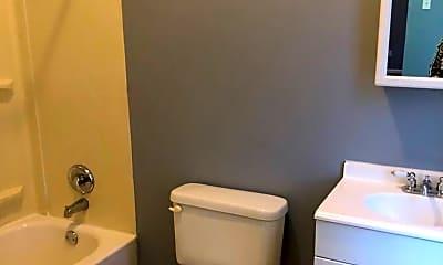 Bathroom, 3501 Iowa Ave, 2