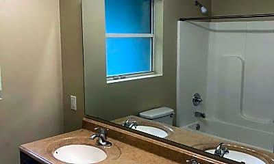Bathroom, 206 Juniper Dr, 2