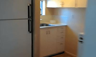 Kitchen, 1021 Mill St, 2