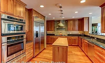 Kitchen, 1070 Grandview Ct NE, 1