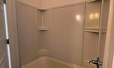 Bathroom, 913 N 12th St, 2