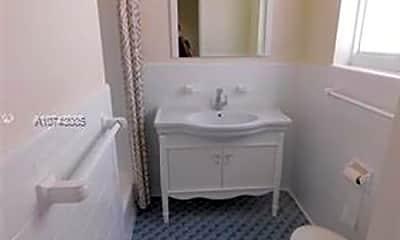 Bathroom, 7155 Rue Notre Dame, 0