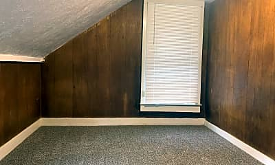 Living Room, 221 NW Kings Blvd, 2