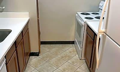 Kitchen, 205 McKnight Cir, 1