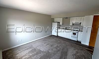 Kitchen, 124 13th St SE, 1