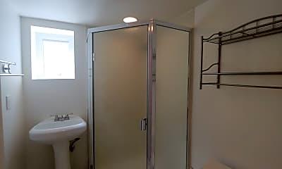 Bathroom, 455 14th Ave, 2