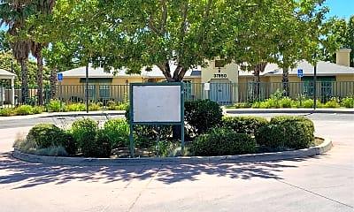 Sierra View Gardens, 1
