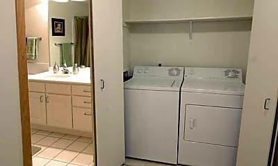 Bathroom, Arrive Inglewood Trails, 2