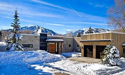 Building, 75 Overlook Dr, 2