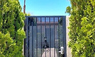 Building, 584 S Calle Palo Fierro, 1