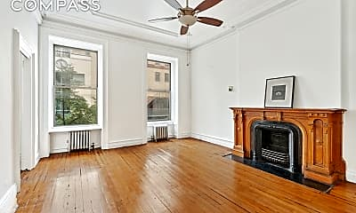 Living Room, 118 E 18th St 3, 0