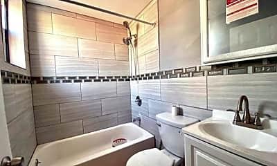 Bathroom, 800 Jackson St, 1