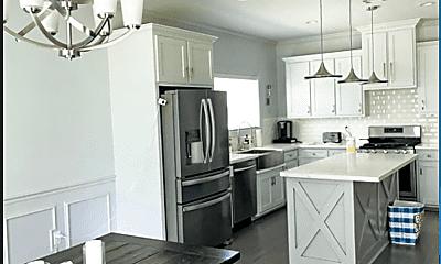 Kitchen, 10732 Waverland Dr, 1