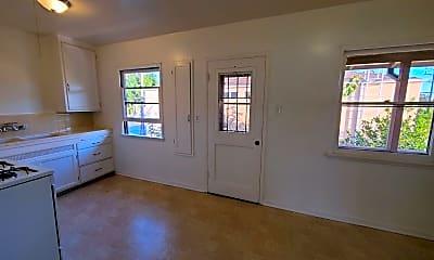 Living Room, 1032 W Glenoaks Blvd, 0