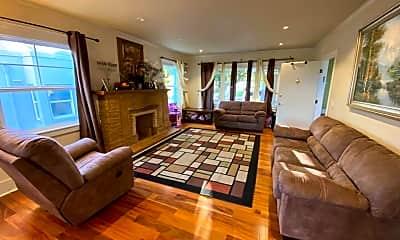 Living Room, 4316 Everett Ave, 1