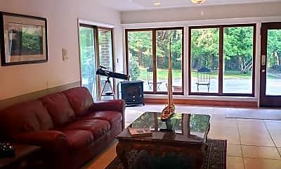 Living Room, 2107 Brintons Bridge Rd LOWER, 2