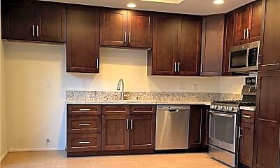 Kitchen, 150 Greenmoor, 1