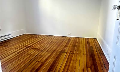 Living Room, 37 Roosevelt Ave 1, 2
