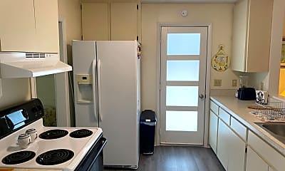 Kitchen, 908 Albee Rd W, 1