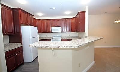 Kitchen, 1655 Kenton Rd 503, 1