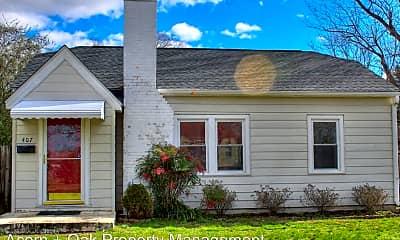 Building, 407 N Maple St, 1