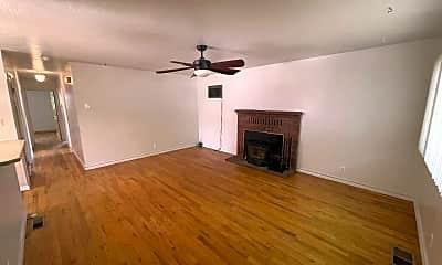 Living Room, 825 Washo Lane, 1
