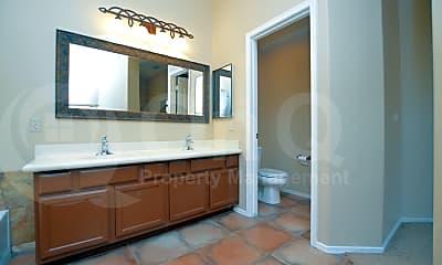 Bathroom, 4215 E Hamblin Dr, 2