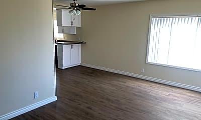 Living Room, 1402 Esplanade, 2