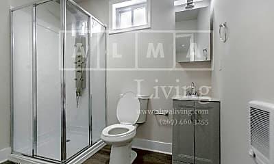 Bathroom, 5530 Bloyd St, 2